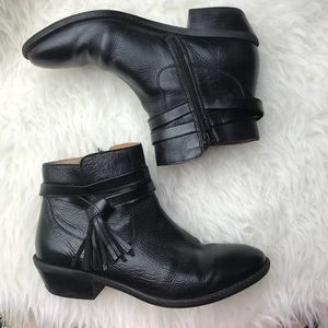 sofft • black leather tassel boots